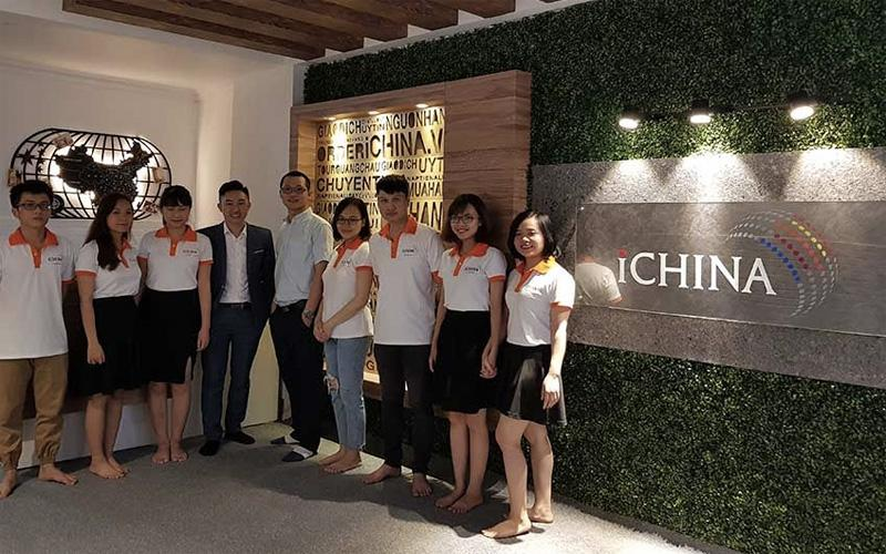 Đội ngũ nhân viên chuyên nghiệp của iChina sẵn sàng tư vấn hỗ trợ đặt hàng Quảng Châu giúp bạn